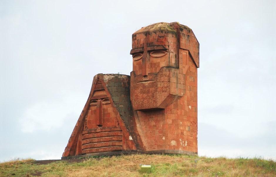Stepanakert - Papik Tatik Monument