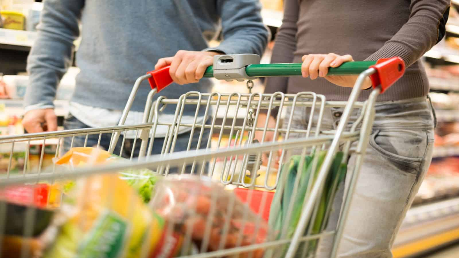 Shopping Com Au Should You Buy Coles Or Woolworths Shares Motley Fool Australia