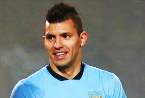 """Man City's official Twitter account took issue with its Sunderland counterpart for describing Sergio Agüero's winning goal as """"scuffed"""""""
