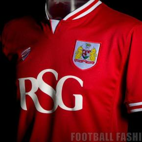 bristol-city-2015-2016-home-kit-10.jpg?r