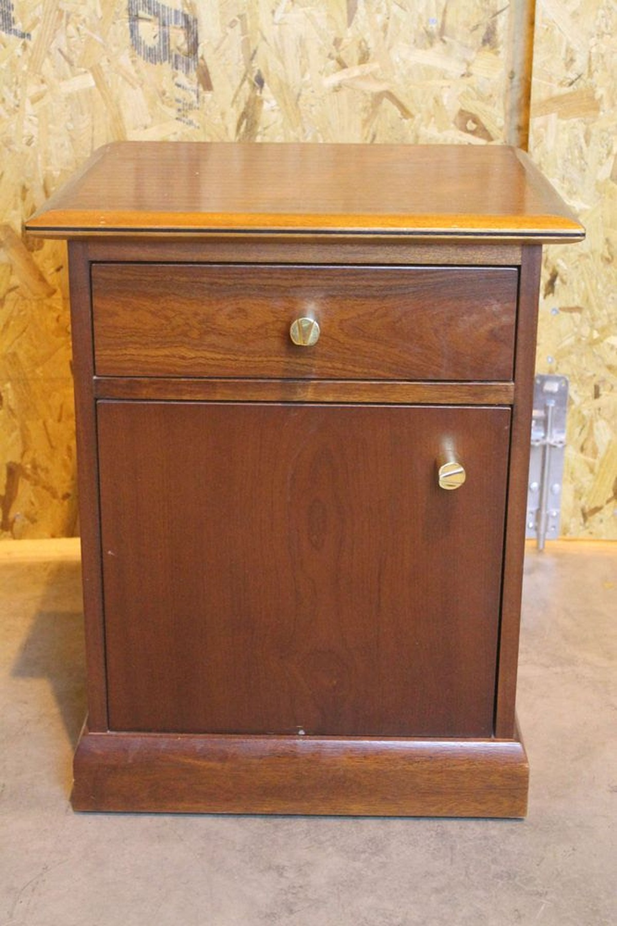 Secondhand Hotel Furniture Cabinets And Cupboards Good
