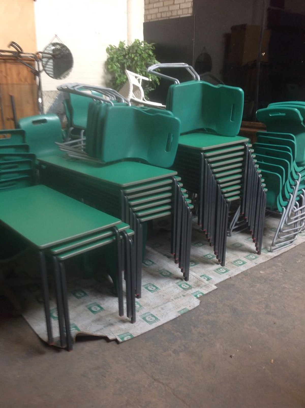 Second Hand Designer Möbel Secondhand Chairs And Tables School Playgroup And