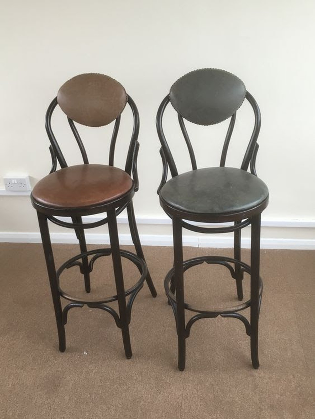 High Back Stools Secondhand Pub Equipment Bar Stools 9x Bentwood High