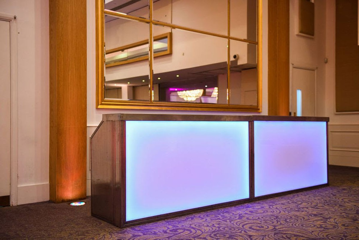 Led Möbel Secondhand Chairs And Tables Bar Units 3x Led Mobile Bar