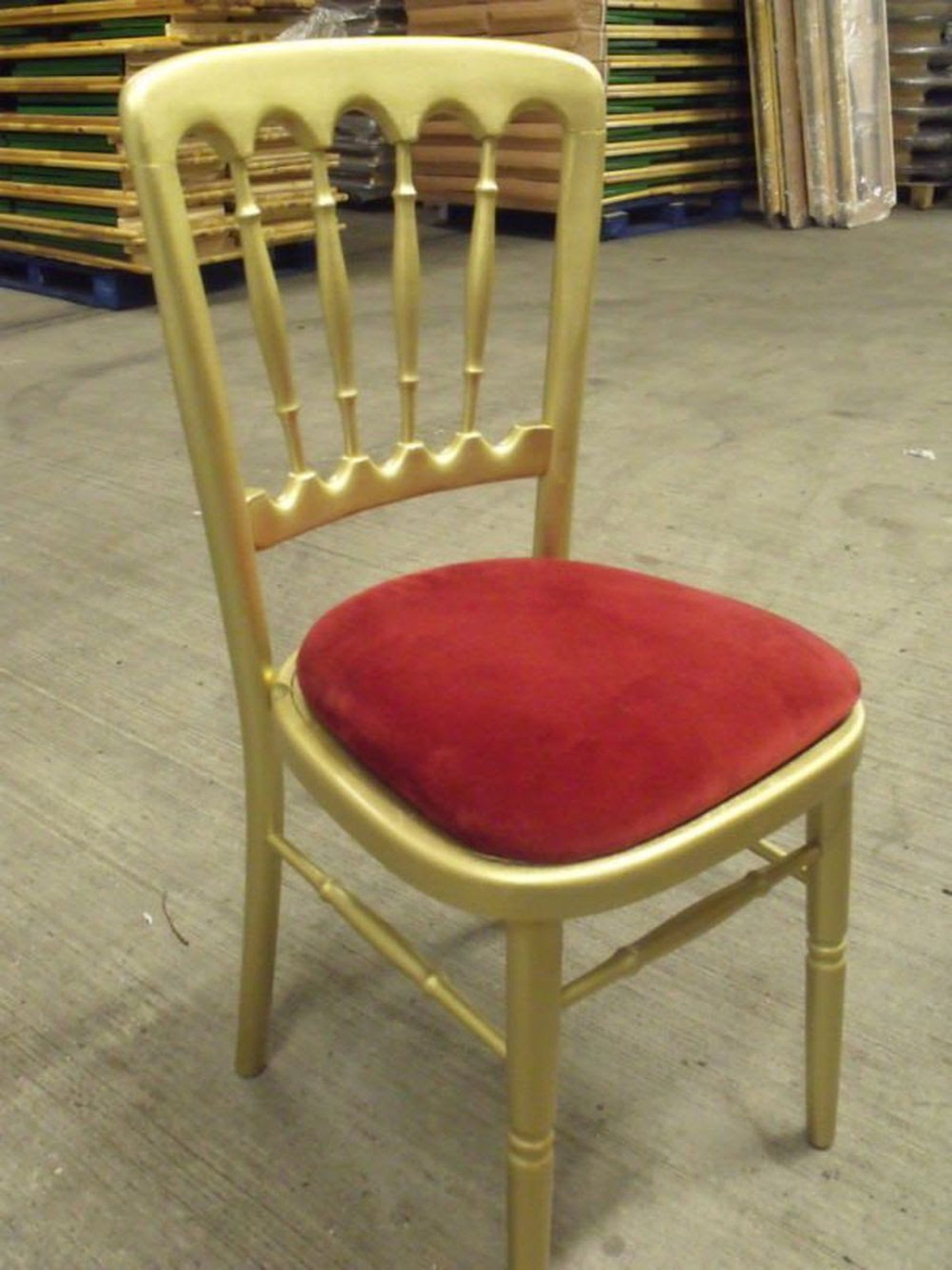 Secondhand Chairs And Tables Cheltenham Banqueting Chairs 90x Gold Banquet Chairs With Red Seat Pads Liverpool Merseyside