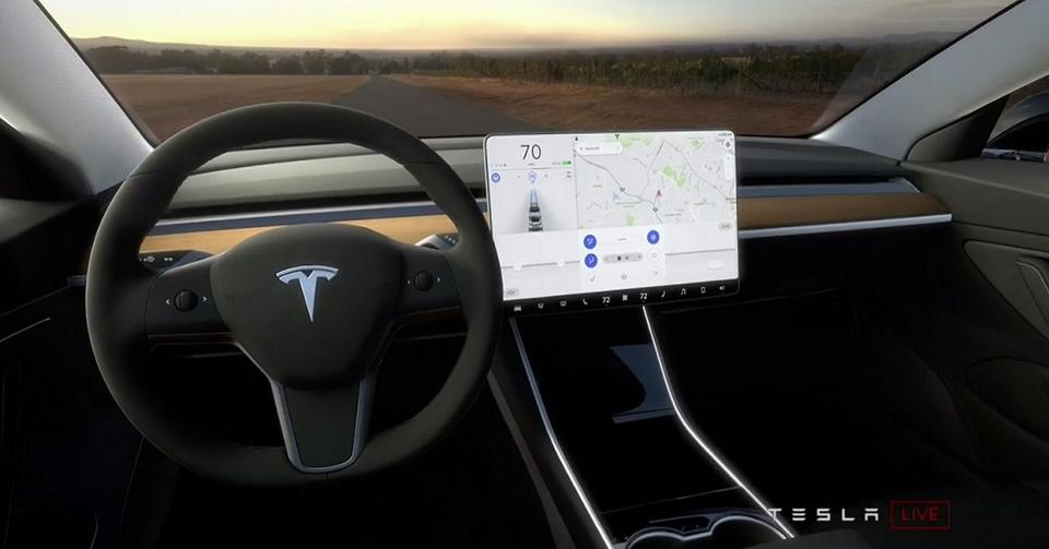 Blauw In Interieur Tesla Model 3 : Louanges Et Critiques... | Forbes France