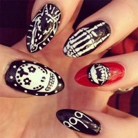 50+ Spooky Halloween Nail Art Designs