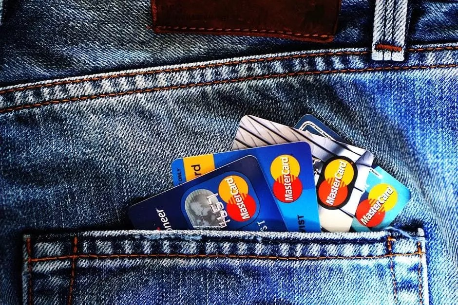 9 Reasons to Use a Personal Loan to Pay off Credit Card Debt