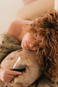 sleeping-girl-with-a-glass-of-wine-evgeniy-lankin