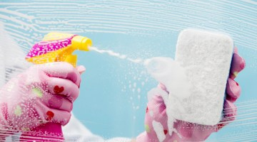 Bathroom Cleaning Hacks + How to Keep Your Bathroom Clean Advice for Moms