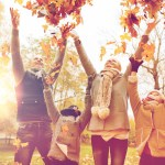 30+ Awesome Fall Family Photo Ideas