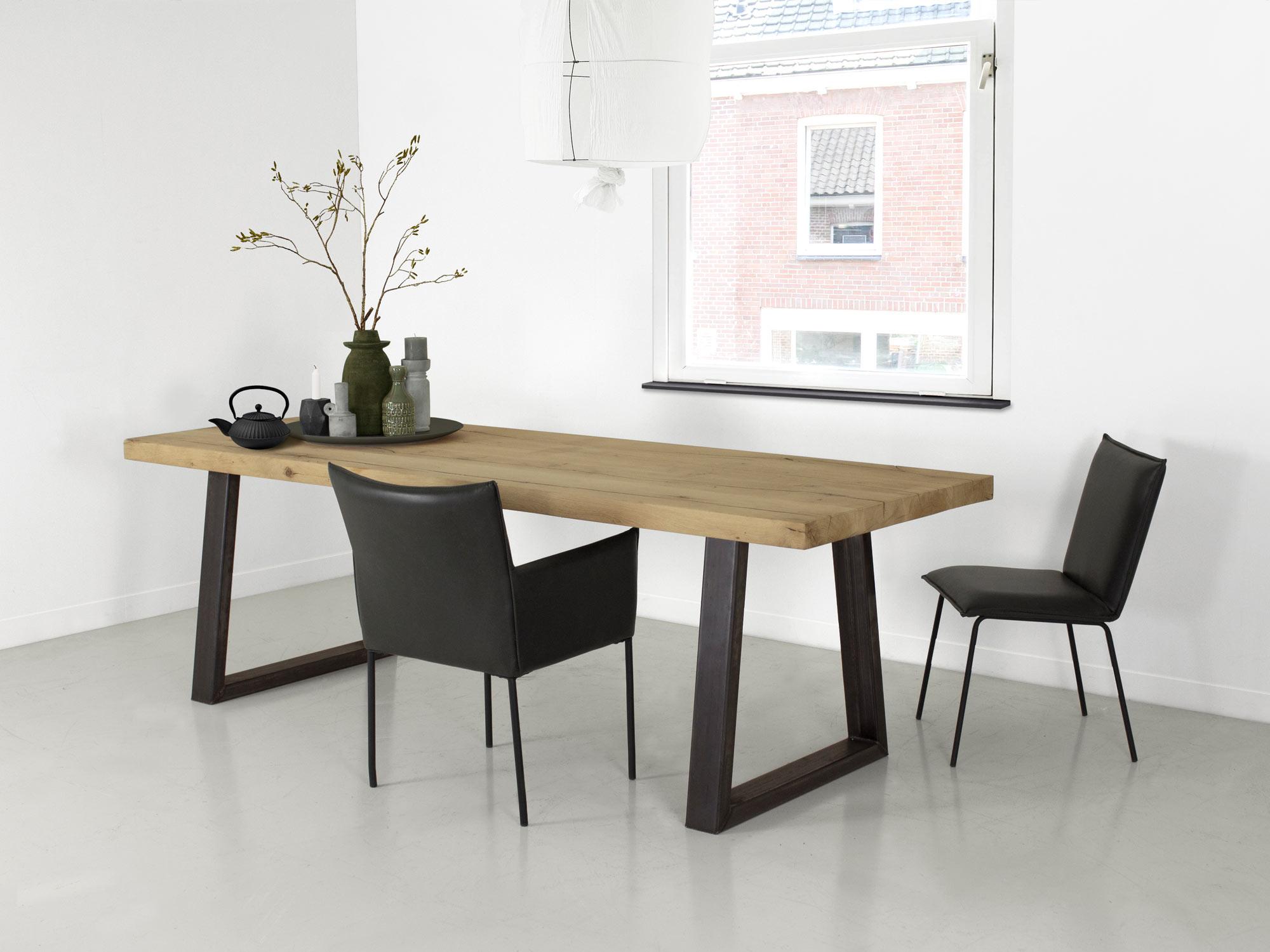 Betonnen tafel hulk op maat gemaakt fØrn betonlook meubelen