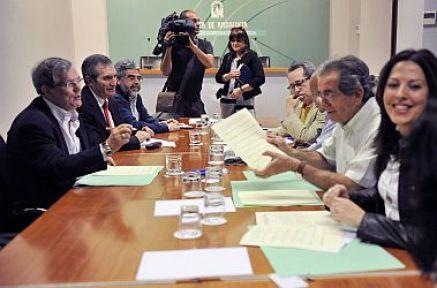 Juan Gallo reunido con Asociaciones