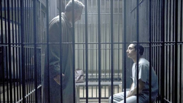 Zwei, die sich brauchen: Der heruntergekommene Anwalt und der naive Klient; Fotos: HBO