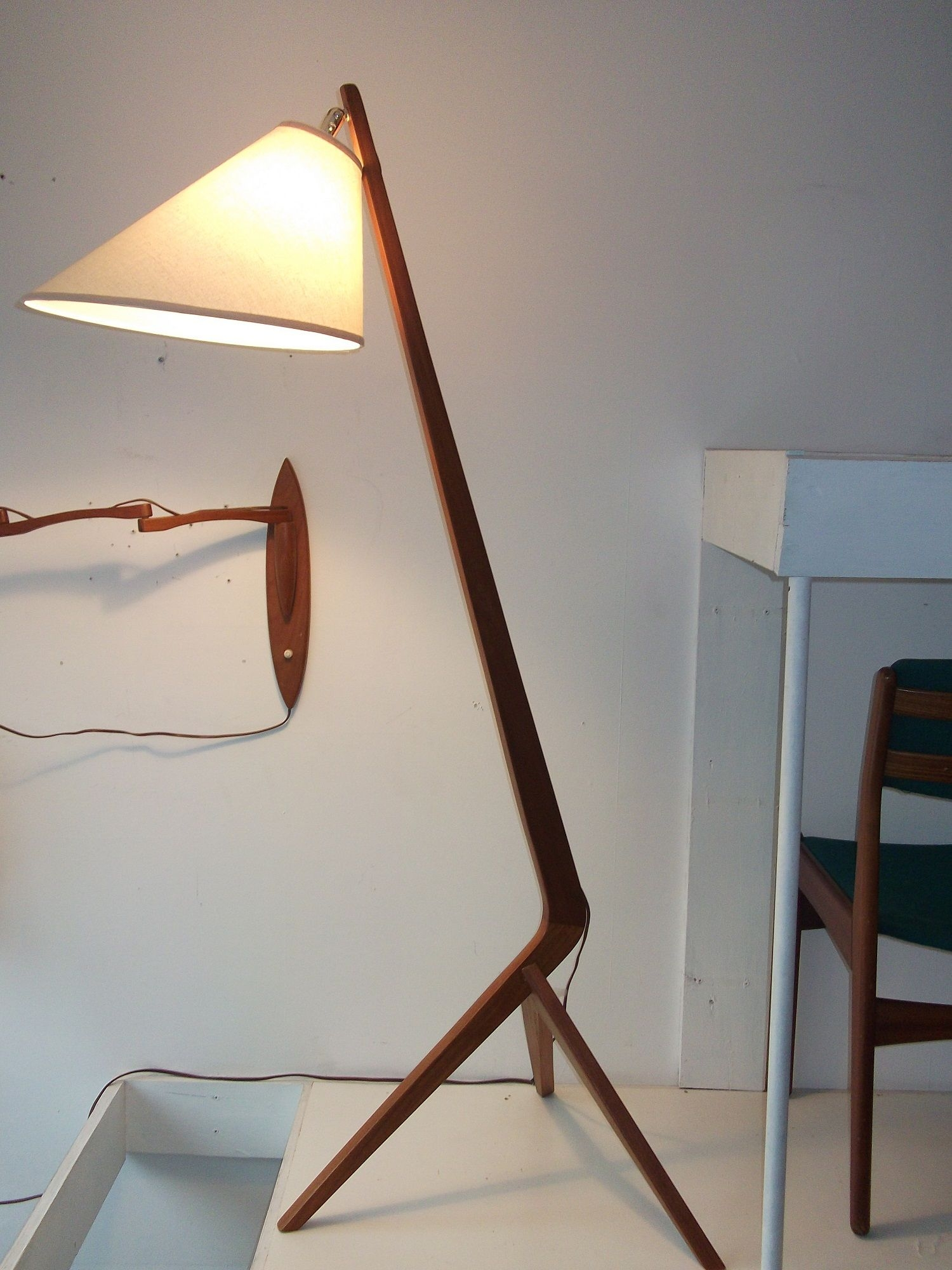 Mid Century Floor Lamps Ideas On Foter