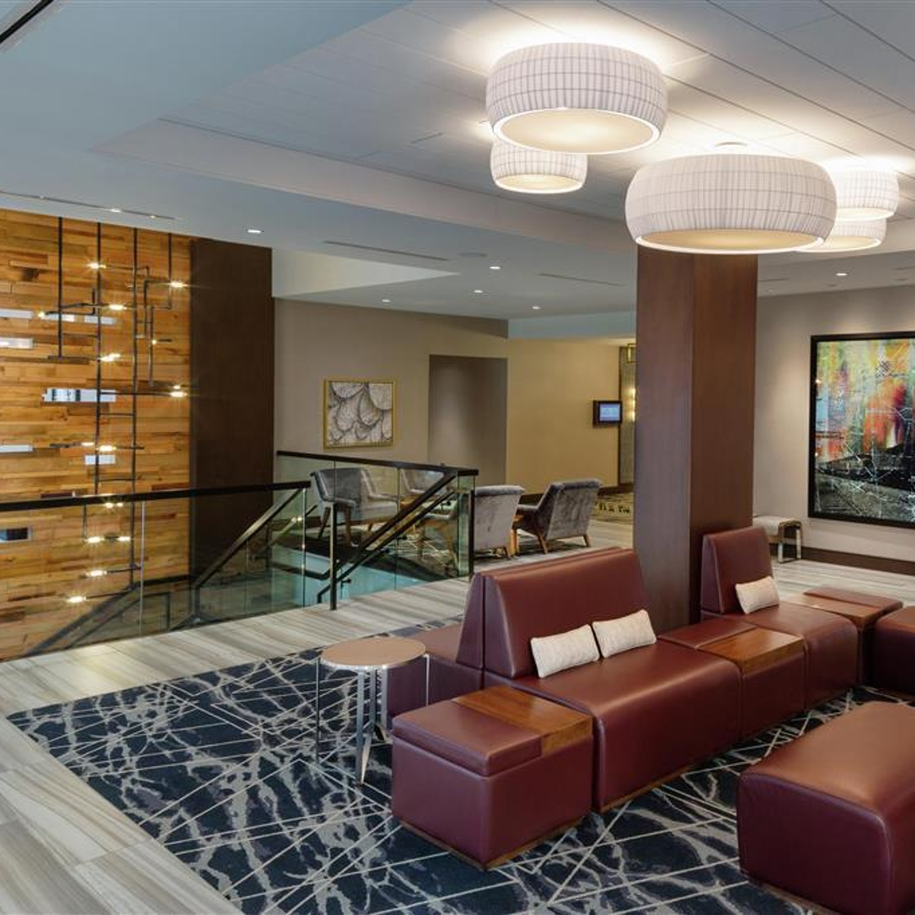 Hotel Doubletree By Hilton Jamestown United States Of America At Hrs With Free Services