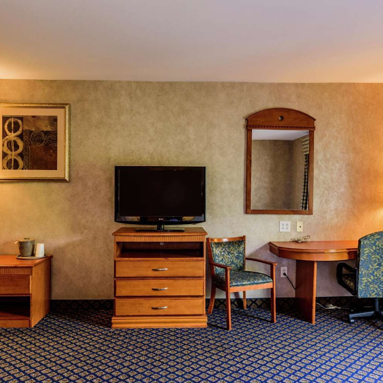 Hampton Inn And Suites Jamestown United States Of America At Hrs With Free Services