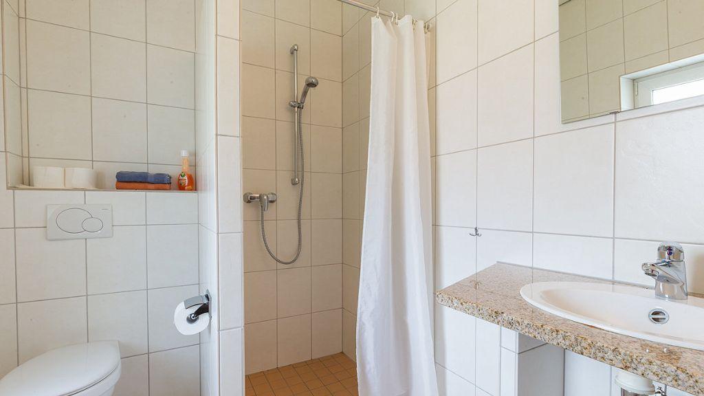 Pension Aller Domizil, Celle - Guesthouse Tiscover en - badezimmer celle