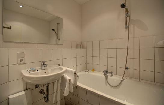 Hotel Schloss Plaue - Brandenburg an der Havel günstig bei HOTEL DE - badezimmer schloss