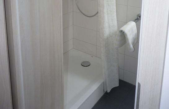 Hotel Schloss Schwanberg Tagungsstätte - Rödelsee günstig bei HOTEL DE - badezimmer schloss