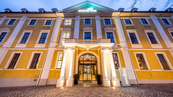 Motel One Magdeburg 3 Hrs Sterne Hotel Bei Hrs Mit