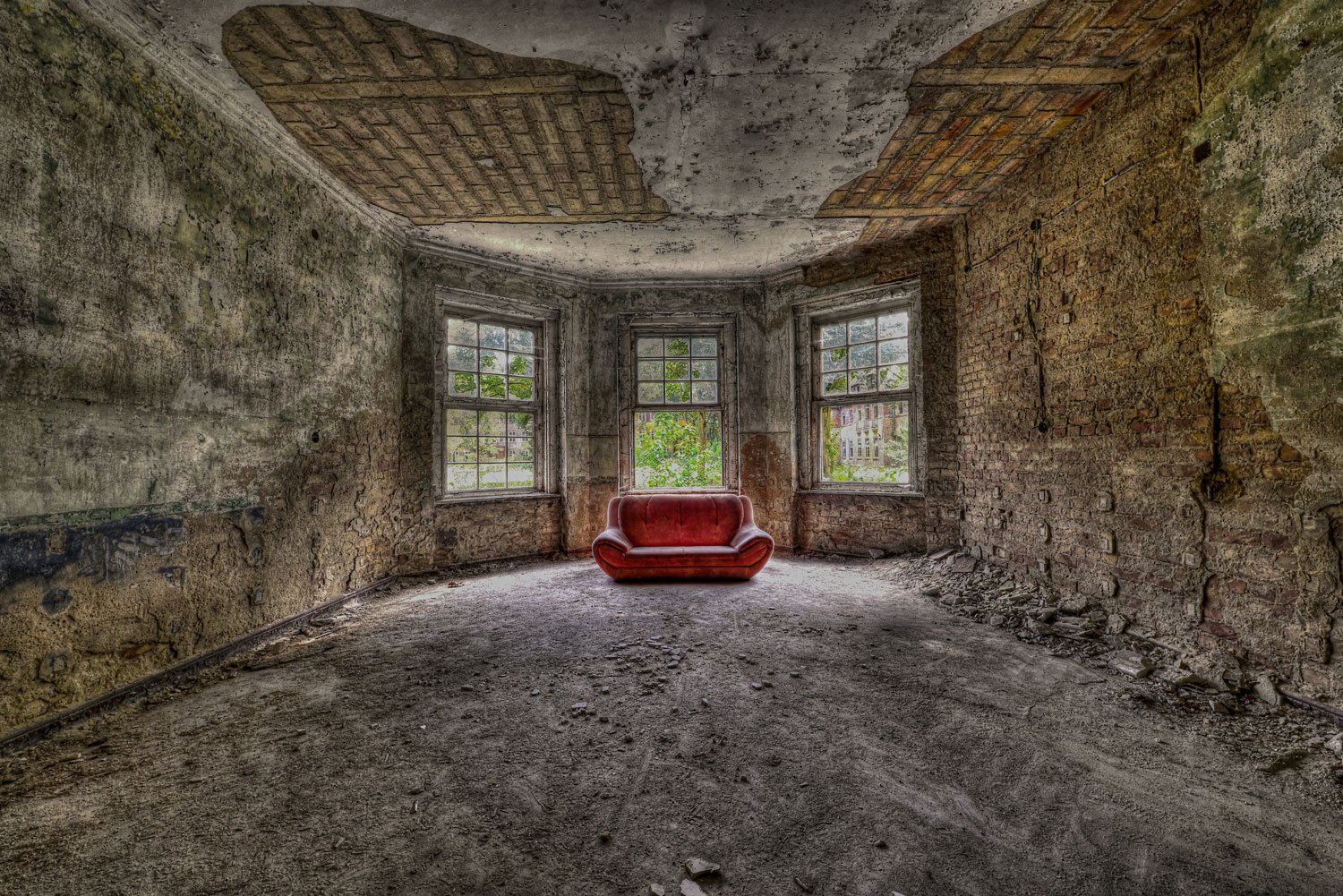 Rotes Sofa Hotel Lost Places In Berlin & Umgebung - Touren An Vergessene