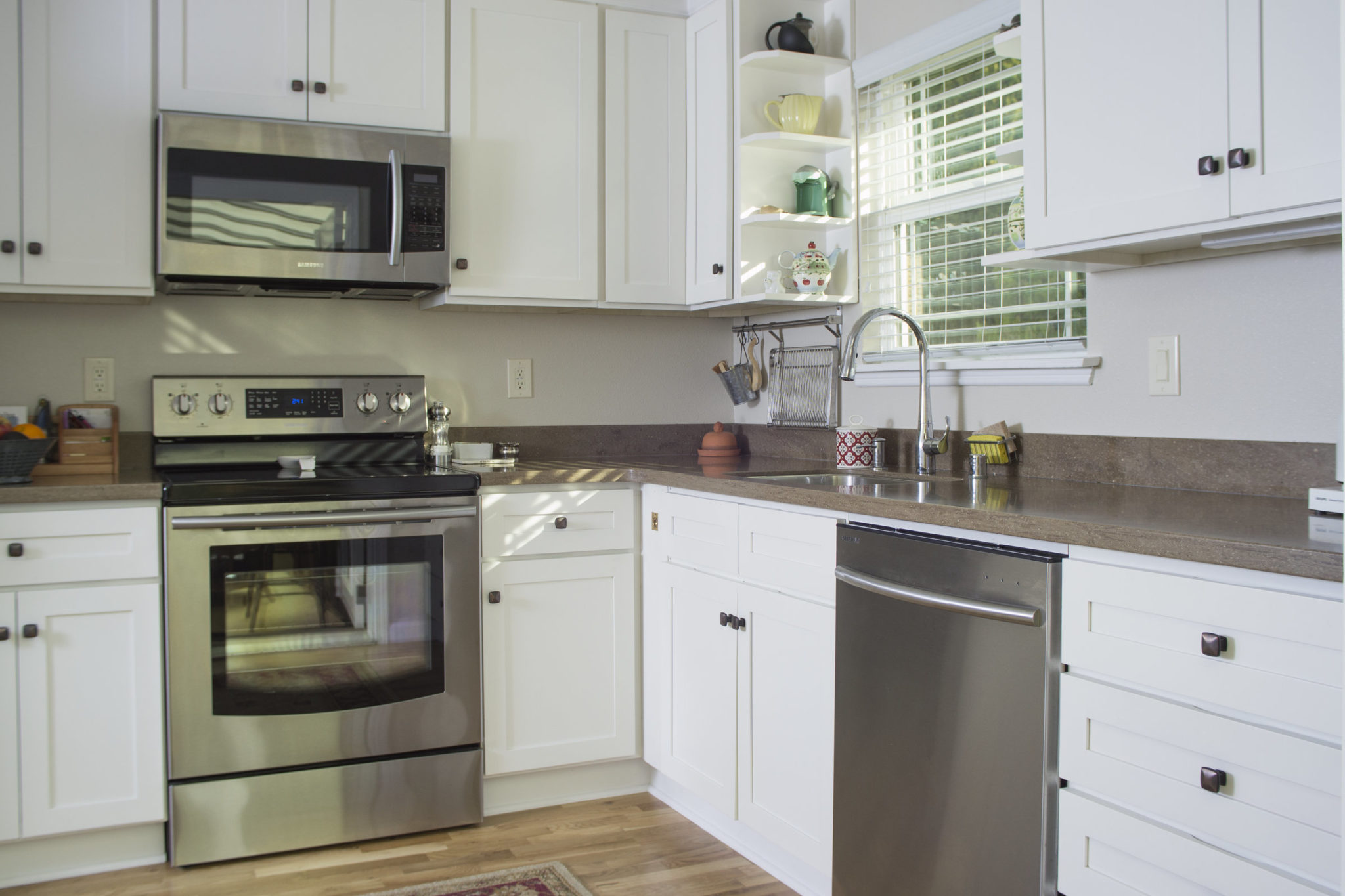 Bright Kitchen Cabinets White And Bright Kitchen Founder 39s Choice Cabinetry