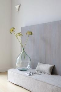 Contemporary Floor Vase Ideas and Examples | Founterior