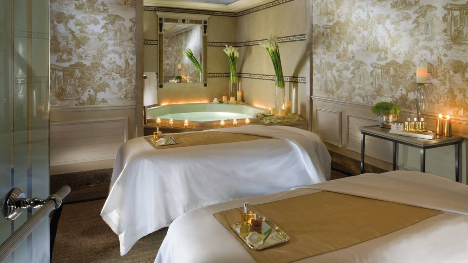 Salon Massage Sexe Paris 5 Star Hotel In Paris Luxury Hotel Four Seasons George