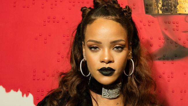 3d Red Star Live Wallpaper Rihanna Elle D 233 Voile Une Nouvelle Vid 233 O Promo Trace