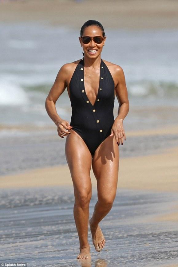 jada-pinkett-swimsuit