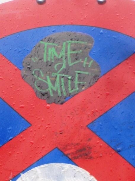 Street Art Freiburg DE 08.06.12 Time 2 smile (1)