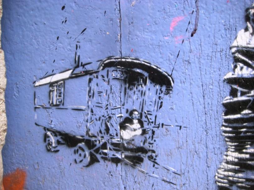 besancon street art porte rubbish pochoir 5 fragment de tags. Black Bedroom Furniture Sets. Home Design Ideas