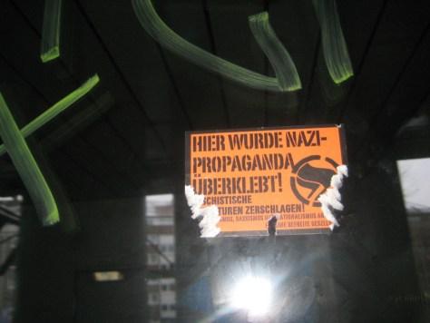 Saarbrücken_sticker_13.01.13.antifa_hier wurde nazi-propaganda ueberklebt