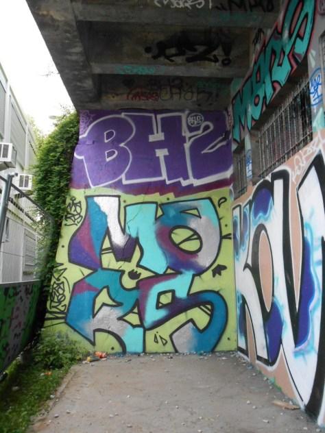 BH2, Mars - Graffiti - besancon 05.2015 (1)