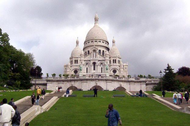 Basilique du Sacre Coeur - view up grassed terraces - Montmartre - Paris