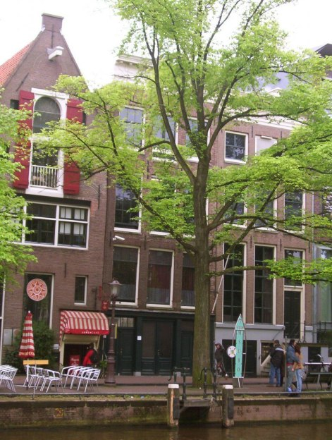 anne frank home on prinsengracht canal, amsterdam, the netherlands