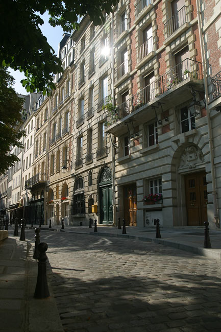 Le Marais Rue_calme - Paris | France In Photos
