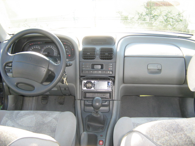 Decoration Retroviseur Interieur Troc Echange Renault Laguna 1 Phase 2 1l8 Gpl Sur France