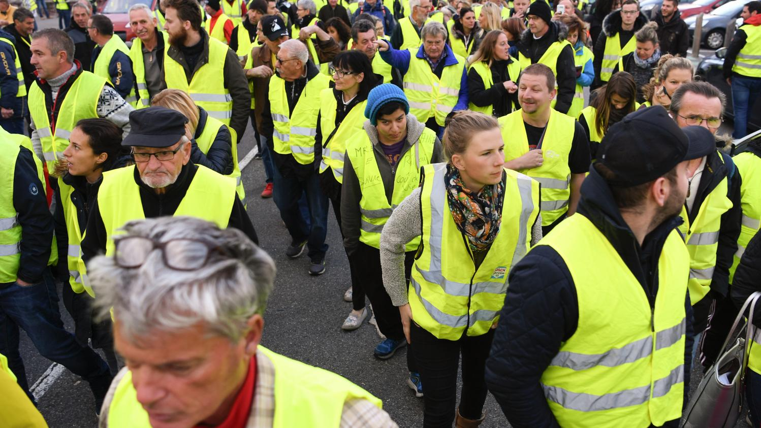 Gilets Jaunes Quotgilets Jaunes Quot Paroles De Manifestants Dans Le Morbihan
