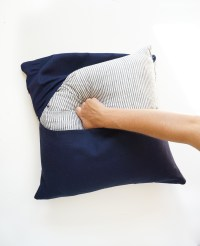 The Easiest DIY Pillows EVER: No-Sew Envelope Pillows Made ...