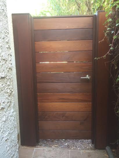 wood fence and door carpenter redondo beach carpenter