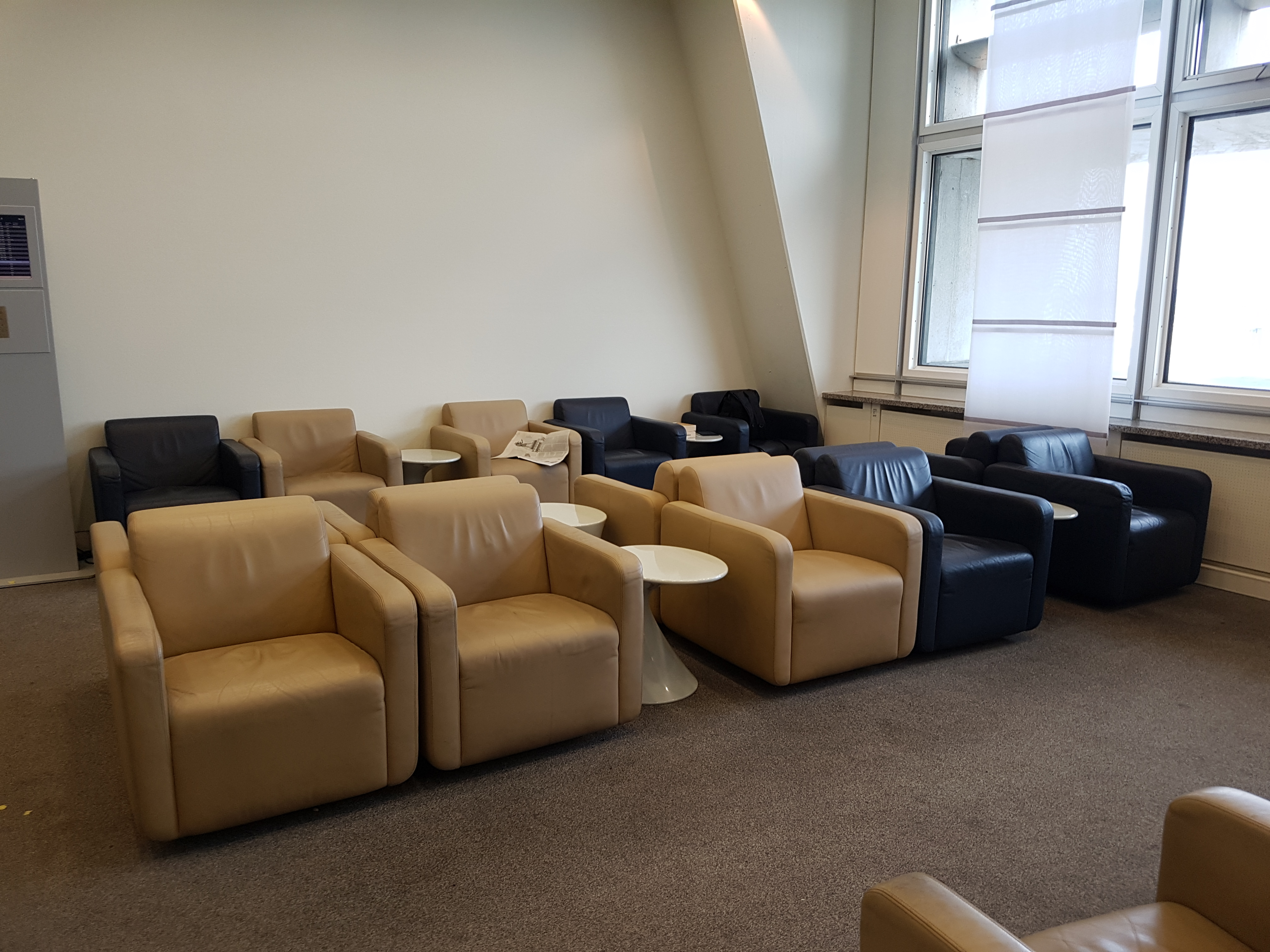 Sessel Stuttgart Review Lufthansa Business Class Lounge Stuttgart