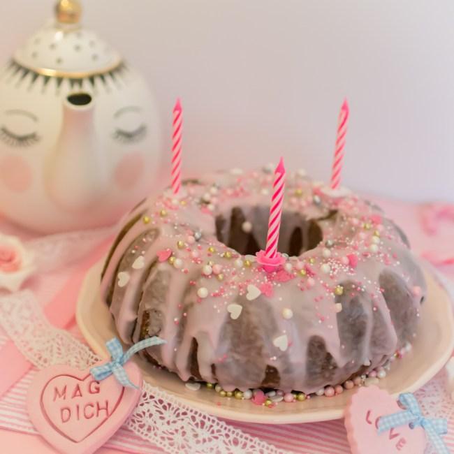 Sanella Geburtstagskuchen: Zitronenkuchen Mit Glasur