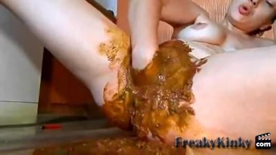 girls shitting pooping scat