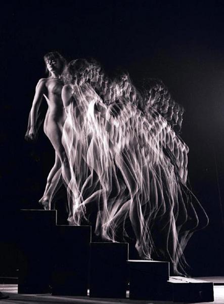 Nude Descending  1942, by Gjon Mili
