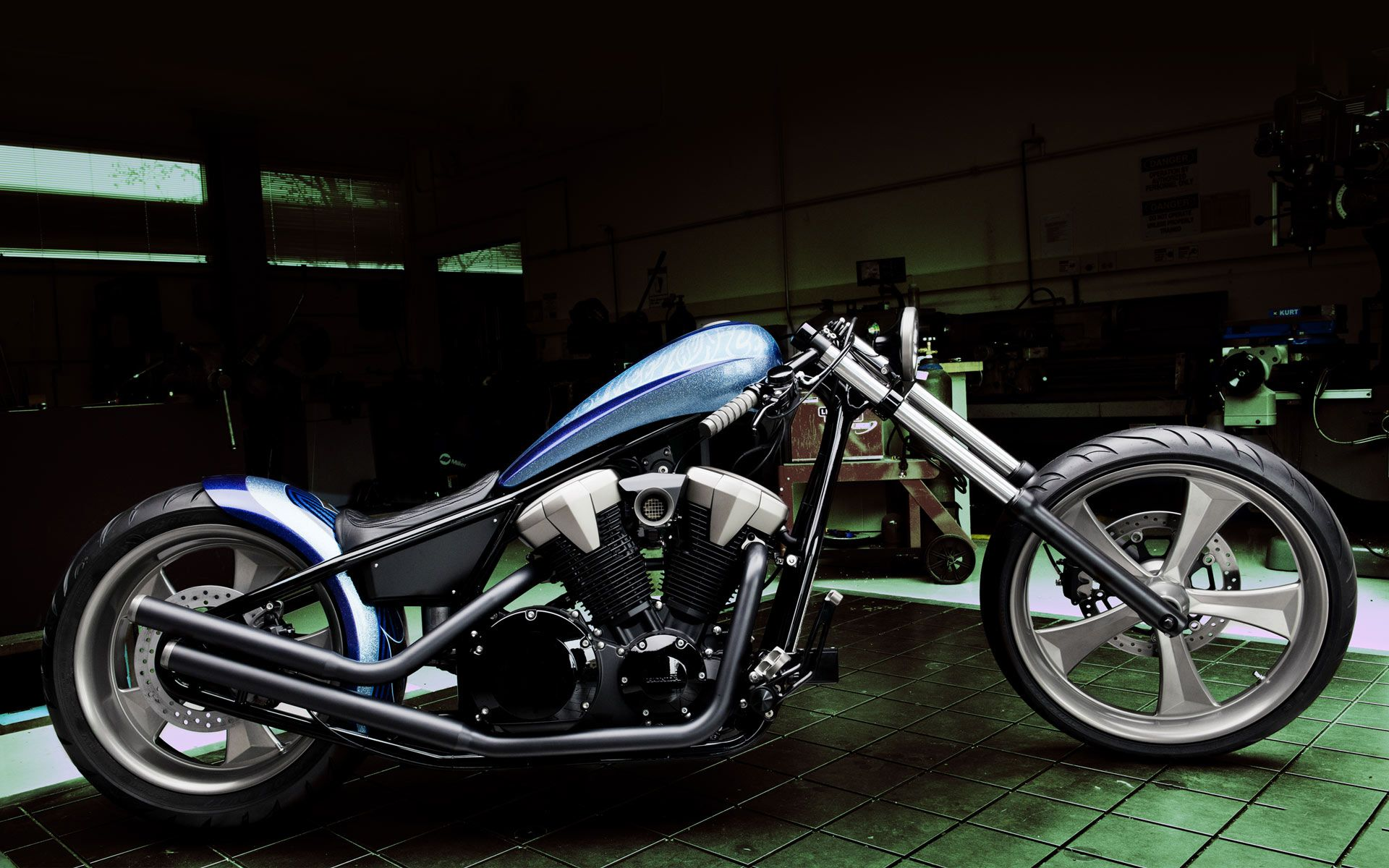 Heavy Bikes And Cars Wallpapers Free Download Davidson Wallpapers Photos And Desktop Backgrounds Up To