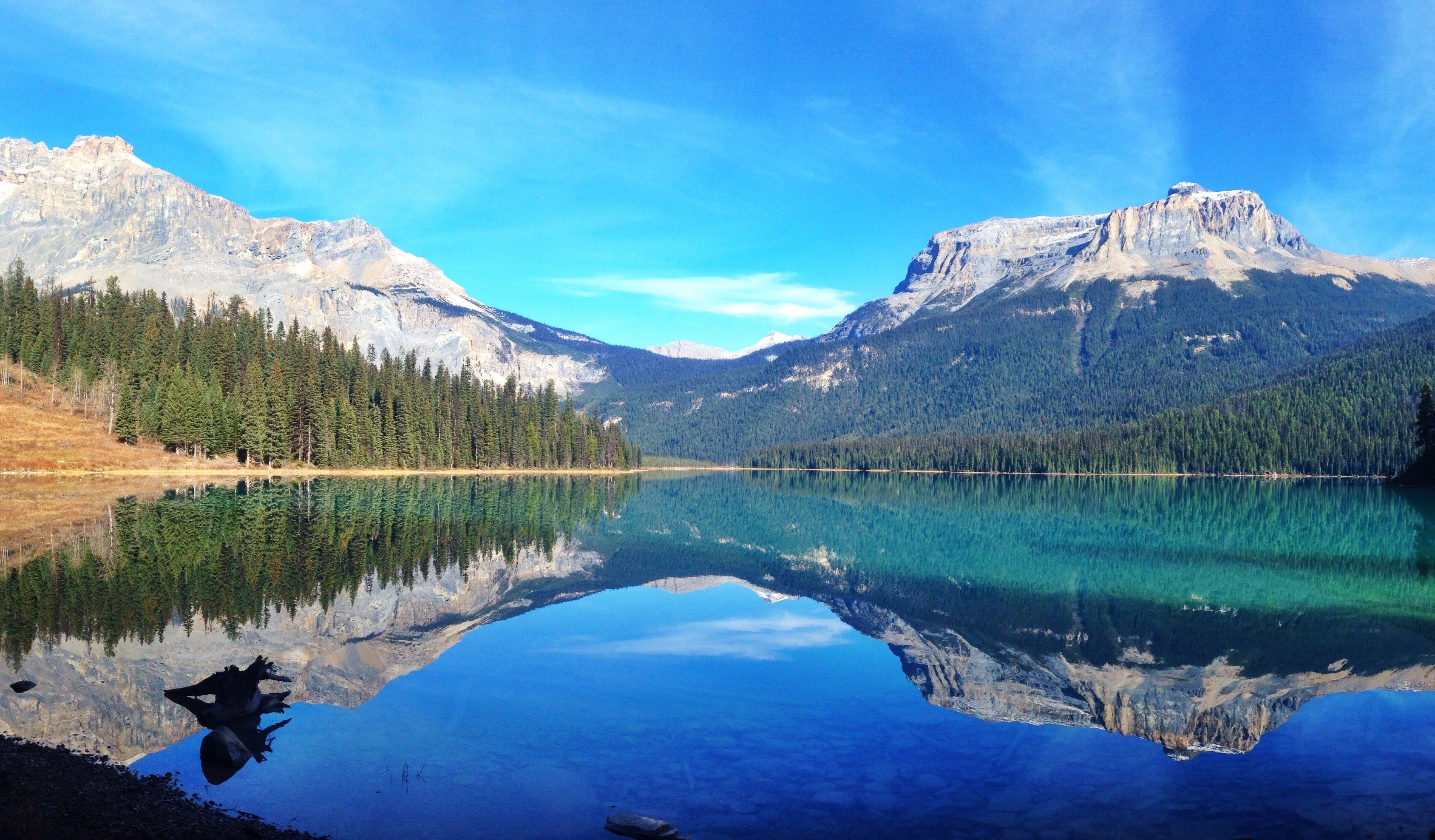 400 800 Hd Wallpaper Beautiful Mountain Reflection At Emerald Lake Yoho