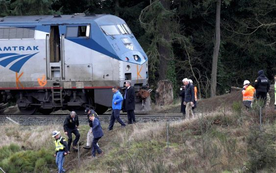 Amtrak blames freight train operator CSX for its deadly South