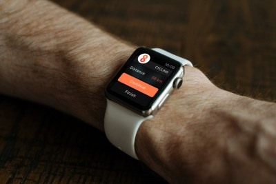 15 Apple Watch PSD Mockups